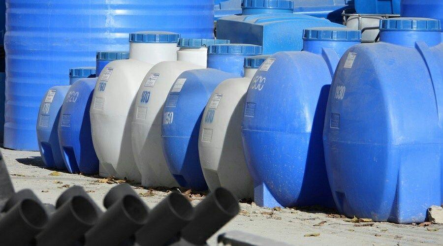 Производители емкостей для воды в Крыму вышли на пик продаж после введения графиков