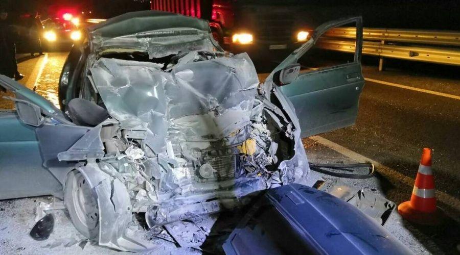Три женщины погибли при столкновении легкового авто и «КамАЗа» на «Тавриде»