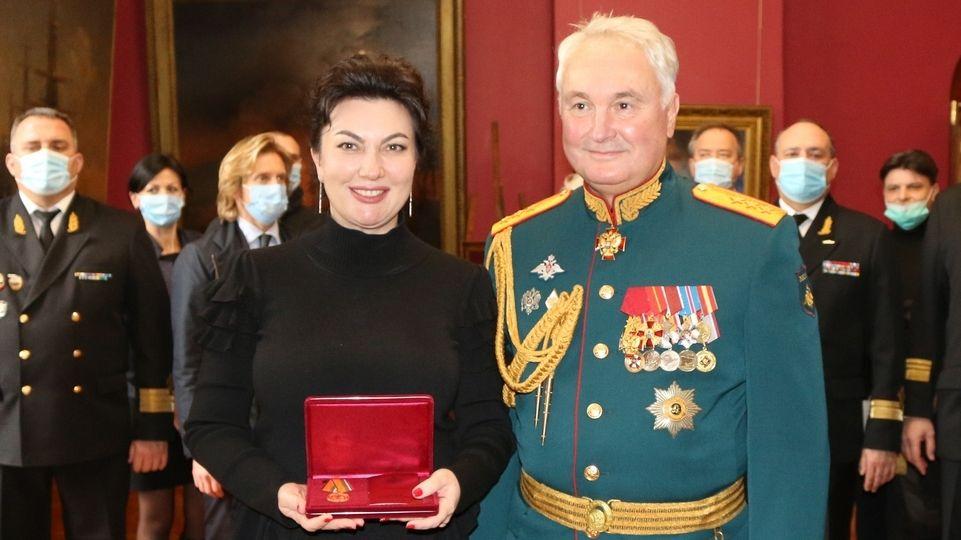 Арина Новосельская награждена медалью Министерства обороны Российской Федерации