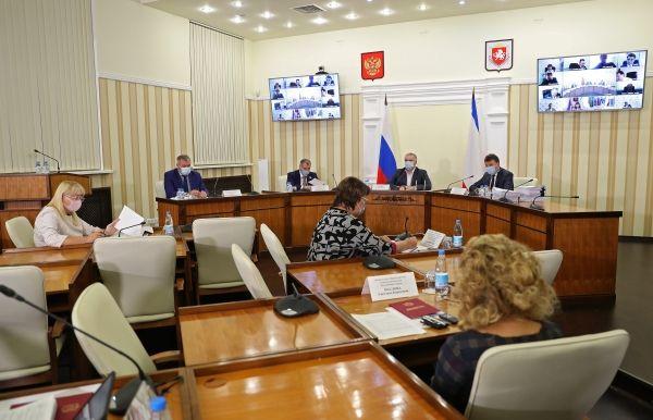 Владимир Константинов: При реализации федеральной и региональных программ важно определить приоритетные объекты социальной инфраструктуры