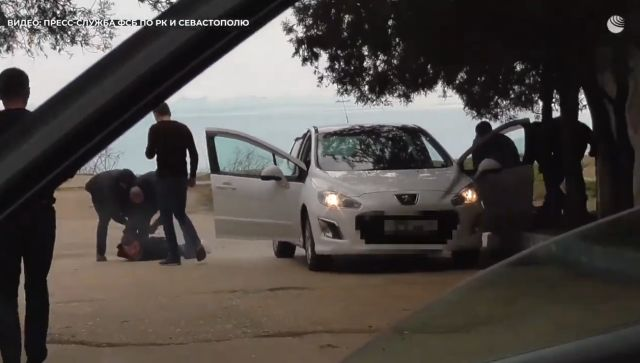 Двадцать лет на двоих: суд приговорим наркоторговцев из Керчи