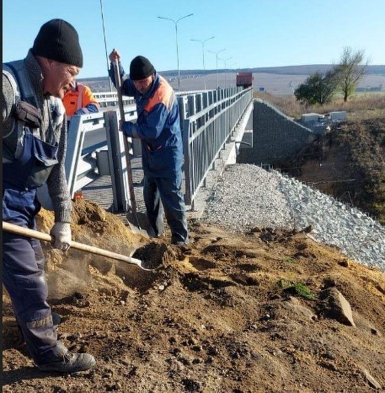 На трассе Дубки-Левадки «Крымавтодор» устраняет обвалы