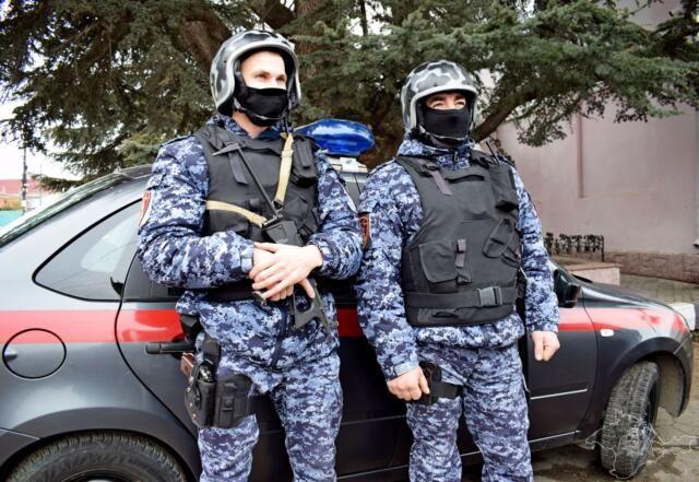 В Симферополе росгвардейцы не дали закончить групповое избиение