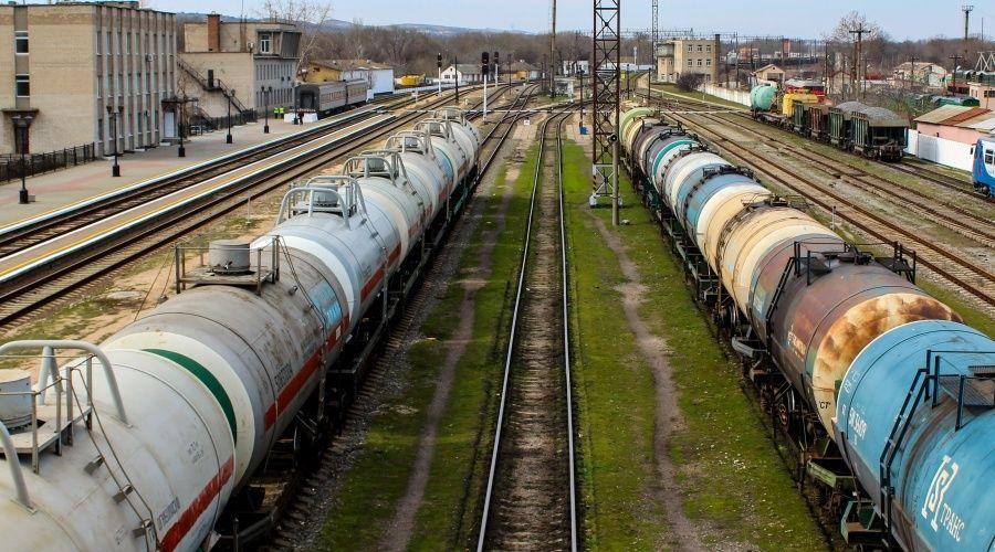 Грузопоток по железной дороге на Крымском мосту за полгода вырос на 71%