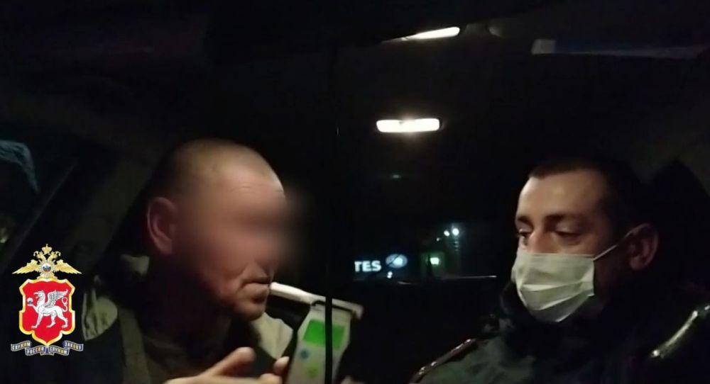 В Красногвардейском районе Крыма полицейские задержали пьяного водителя
