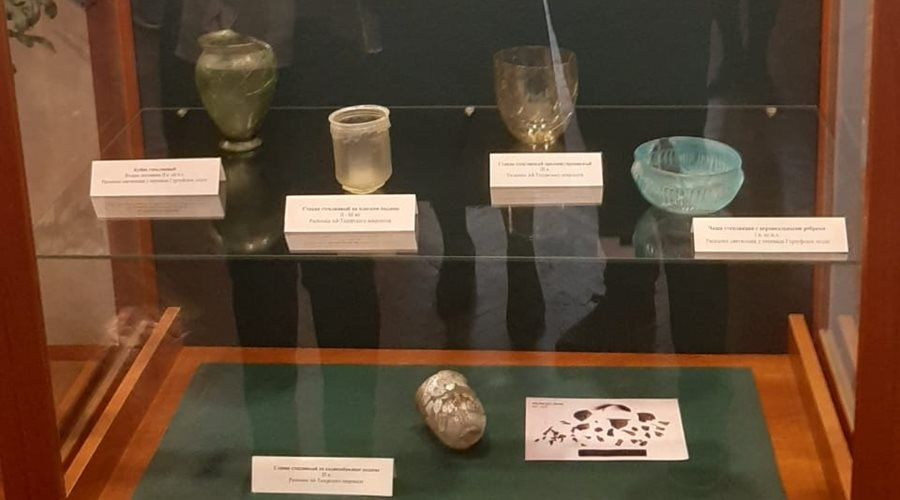 Реставраторы из Москвы восстановили античные экспонаты историко-литературного музея Ялты
