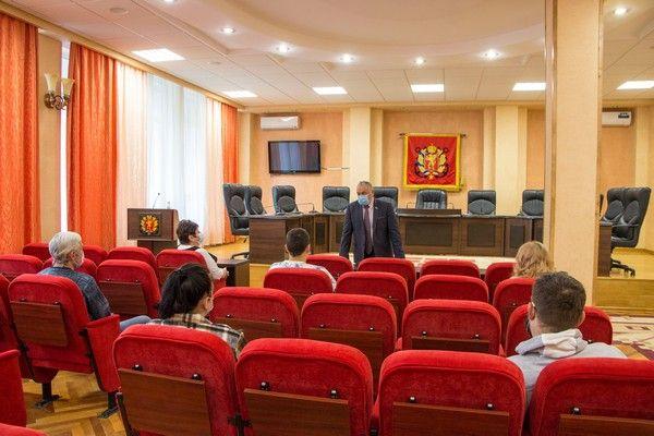 Самоотверженность и высокий профессионализм керченских медиков отмечены государственными наградами