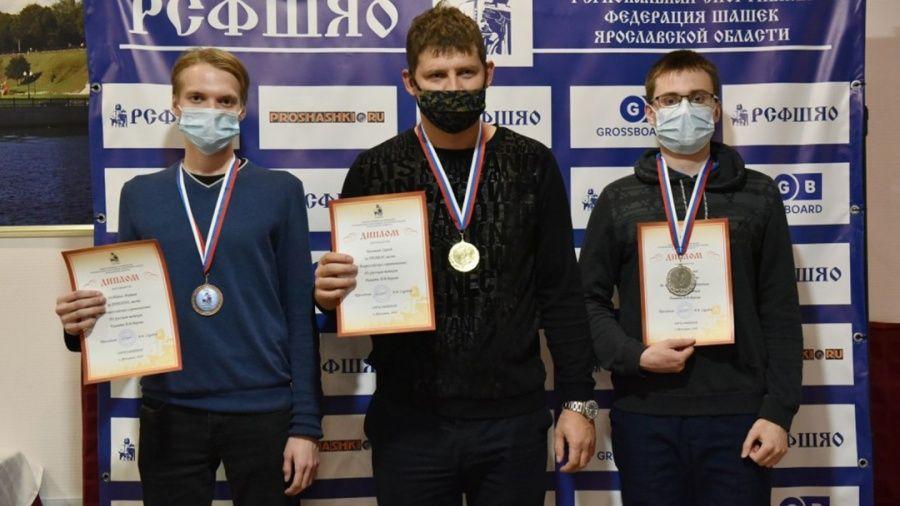 Евпаториец Сергей Белошеев выиграл шашечный блиц на Всероссийских соревнованиях в Ярославле