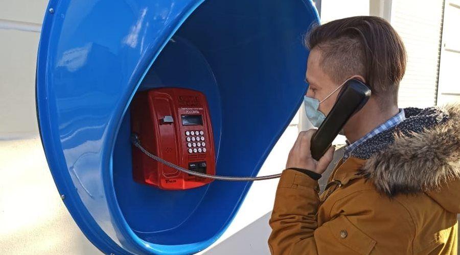 Таксофон на солнечной батарее и с Wi-Fi появился в центре Симферополе