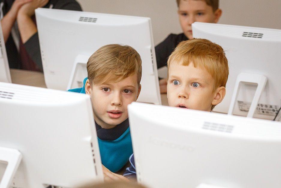 Одаренным детям в Севастополе увеличат стипендии