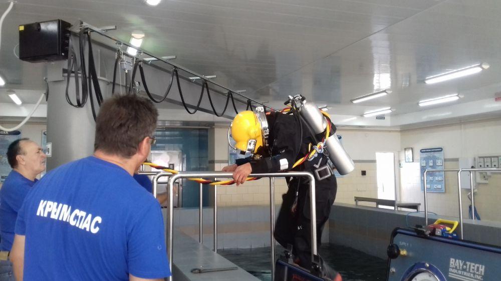 В ГКУ РК «КРЫМ-СПАС» проходят подготовку водолазы - спасатели