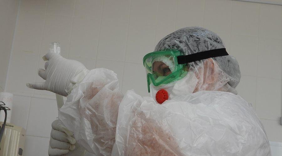 Врачи «скорой» первыми получили прививку от коронавируса в Крыму