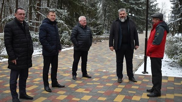 Объекты благоустройства Джанкойского района в очередной раз посетил куратор района Геннадий Нараев