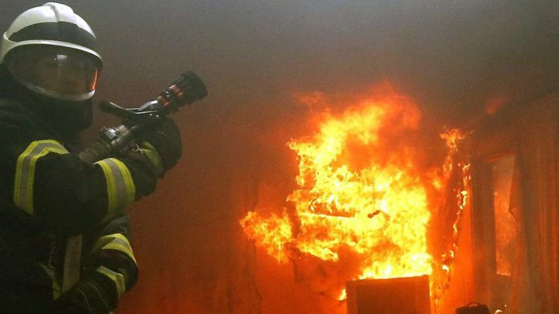 В Ливадии на пожаре спасли человека