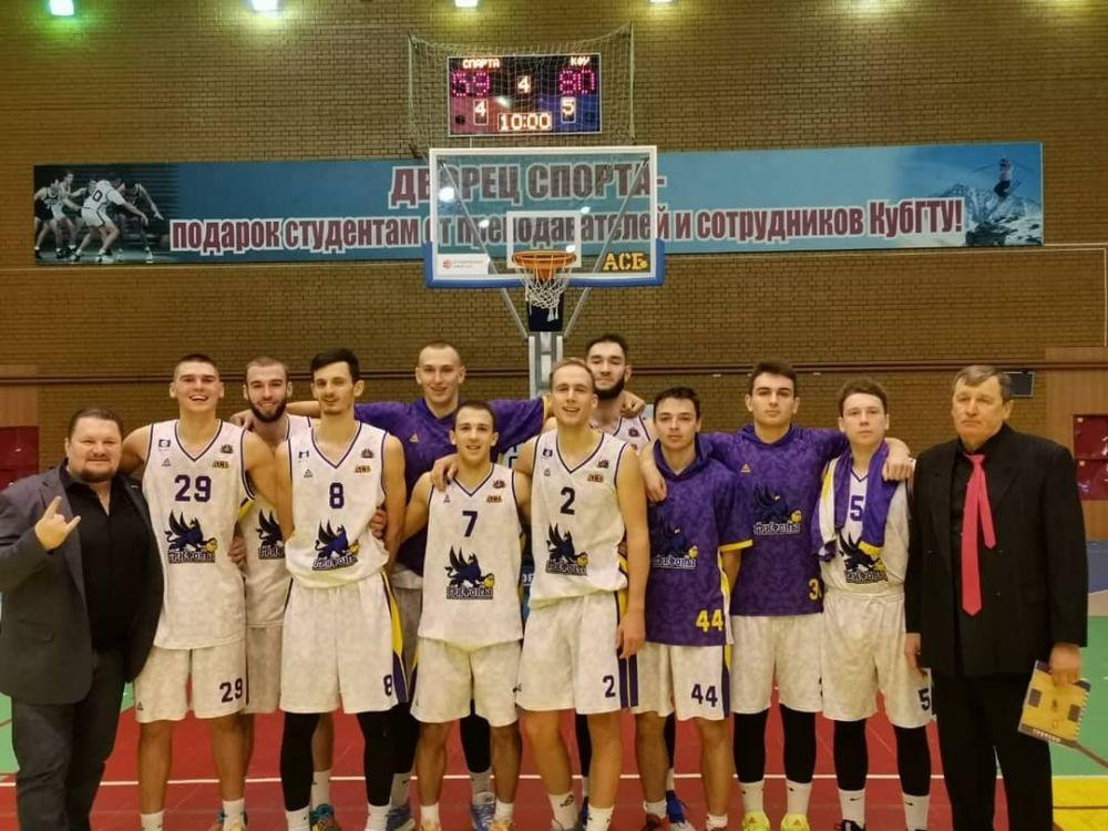 Крымчане попали в топ студенческого баскетбола России
