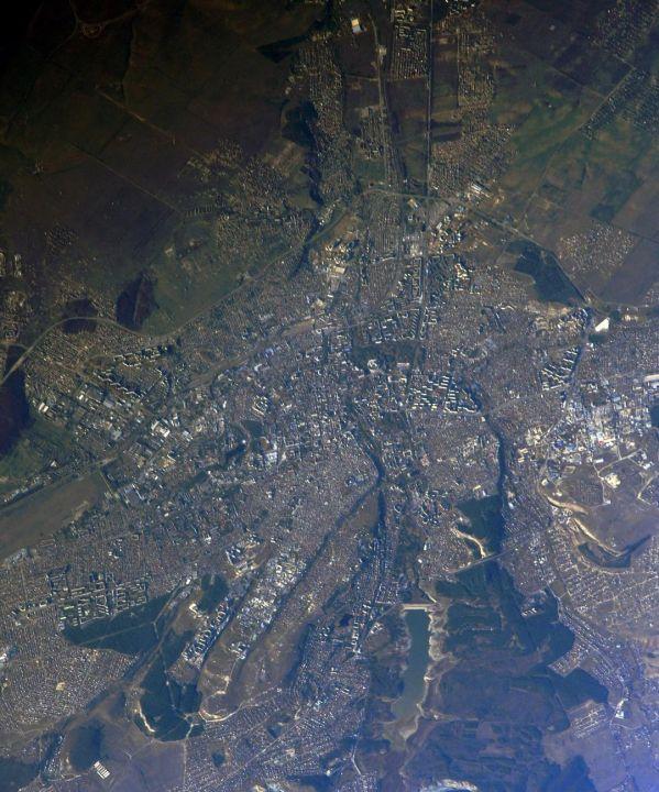 Российский космонавт показал новогодний Симферополь с борта МКС