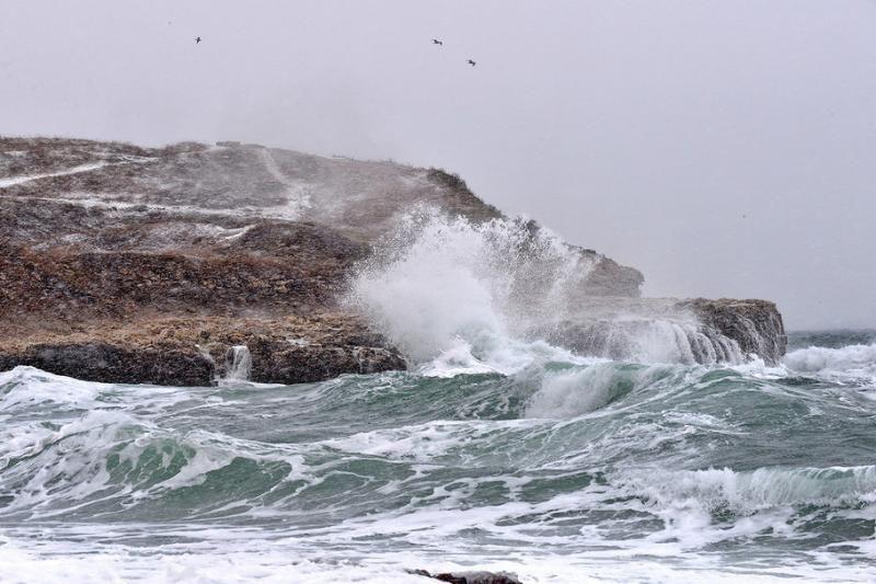 МЧС Крыма выдало штормовое предупреждение из-за ухудшения погоды