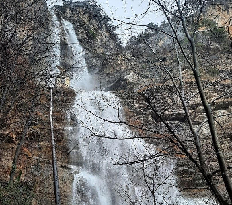 В Крыму водопад Учан-Су наполнился водой после нескольких дождливых дней