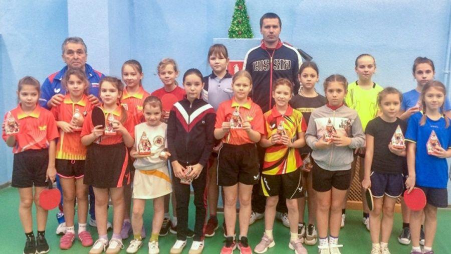 """В Ялте провели """"Рождественские игры"""" для юных теннисистов"""