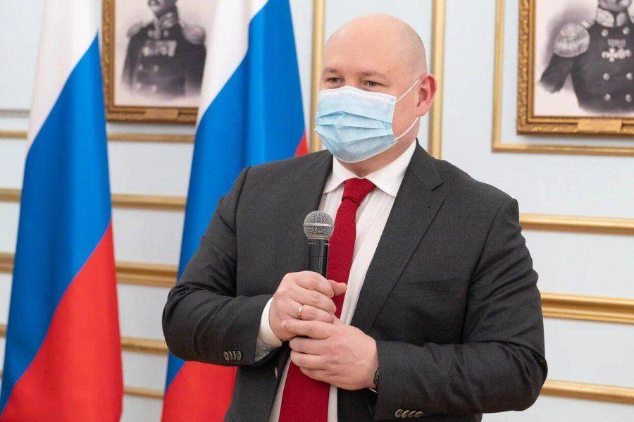 В честь Дня российской печати Михаил Развожаев вручил севастопольским журналистам благодарственные письма