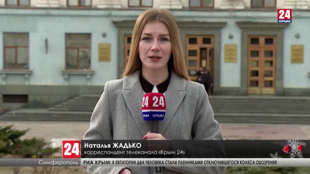 Глава Республики поздравил крымских журналистов с днем российской печати