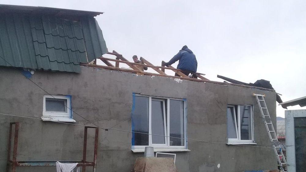 Многодетная семья погорельцев из Крыма получила помощь от администрации Симферопольского района