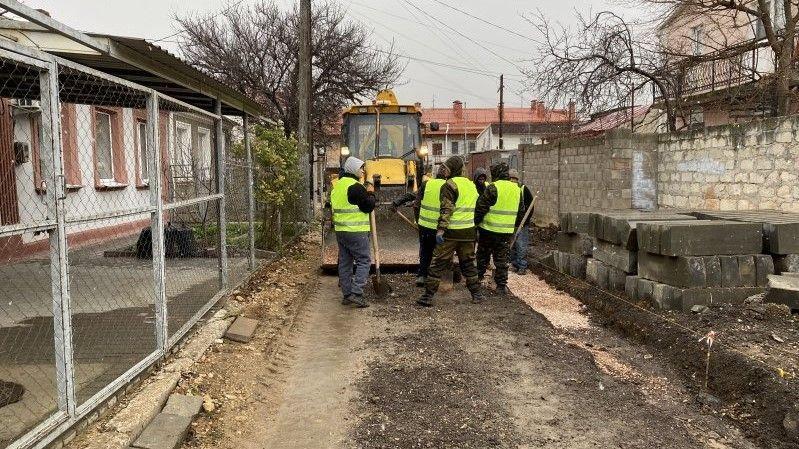 На улице Авдеева в Севастополе возобновлён капитальный ремонт дороги