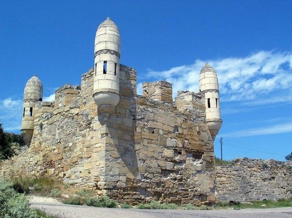 Царский курган и крепости Еникале Керчи хотят отремонтировать за счет ФЦП