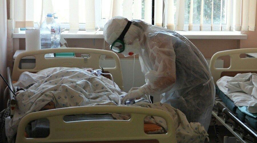 Восемь человек с коронавирусом скончались в Крыму за сутки