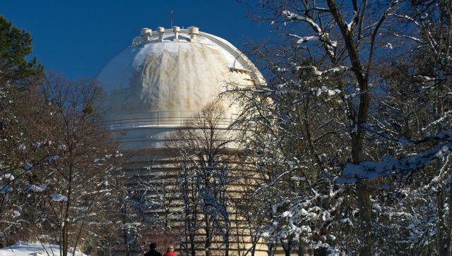 В Крыму продолжается экстремальный снегопад