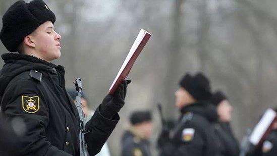 В Севастополе присягу приняли 160 будущих водолазных специалистов