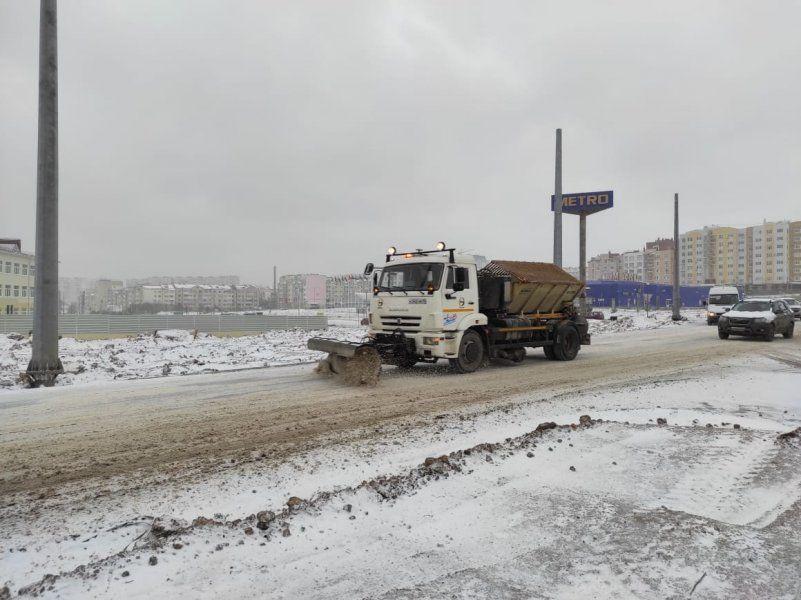 Из-за снегопада коммунальные службы Севастополя переведены в усиленный режим