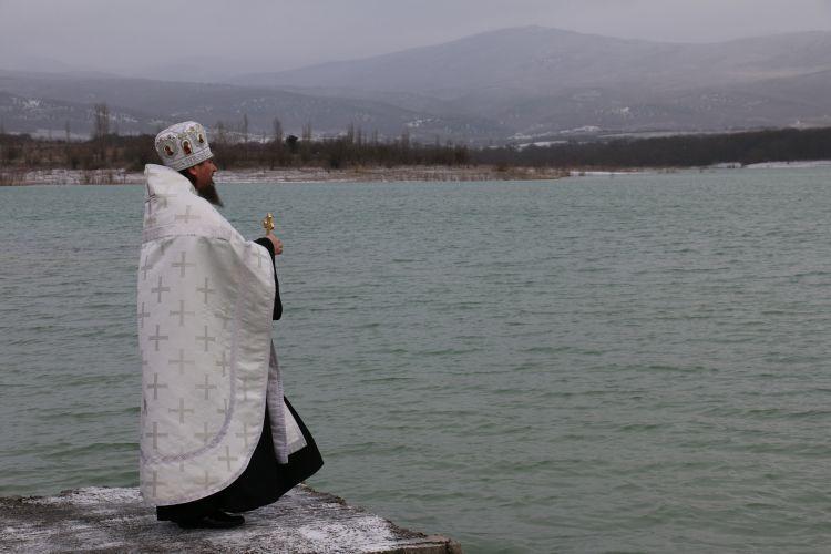 В Севастополе утвержден перечень официальных мест для купания в День Крещения Господня
