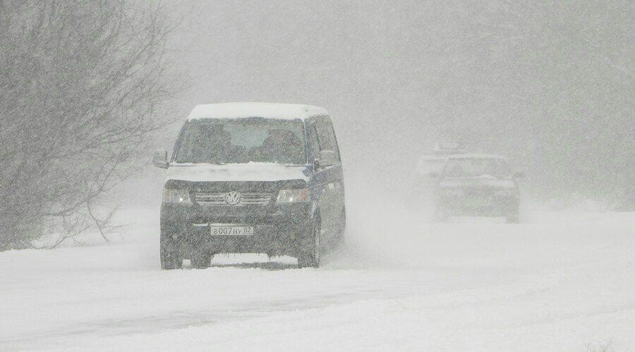 Аксёнов пообещал наказать ответственных за уборку снега в Крыму