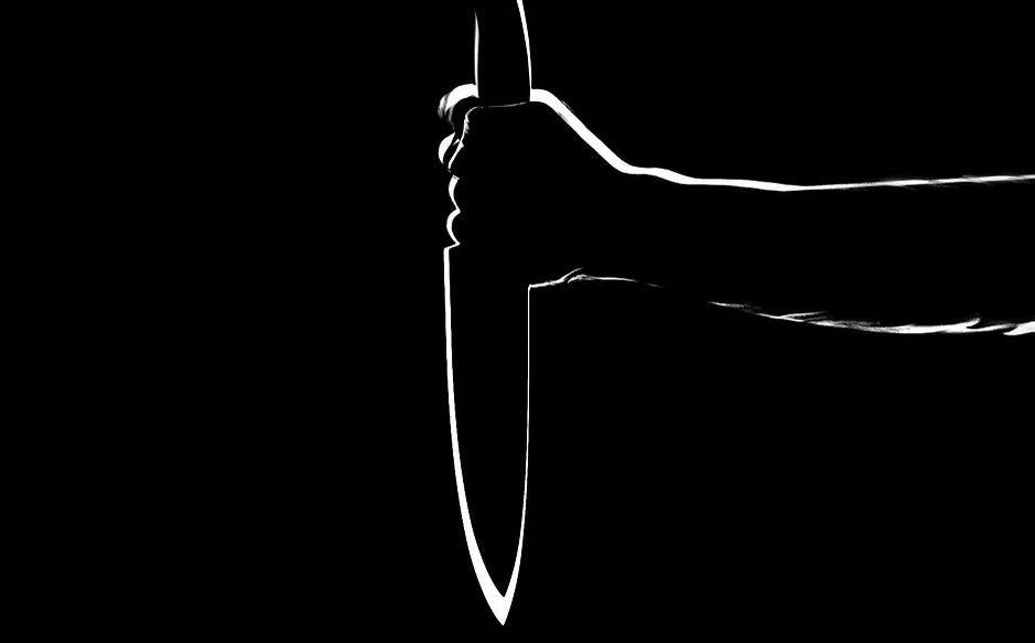 В Симферополе мужчина с ножом обокрал продуктовый магазин