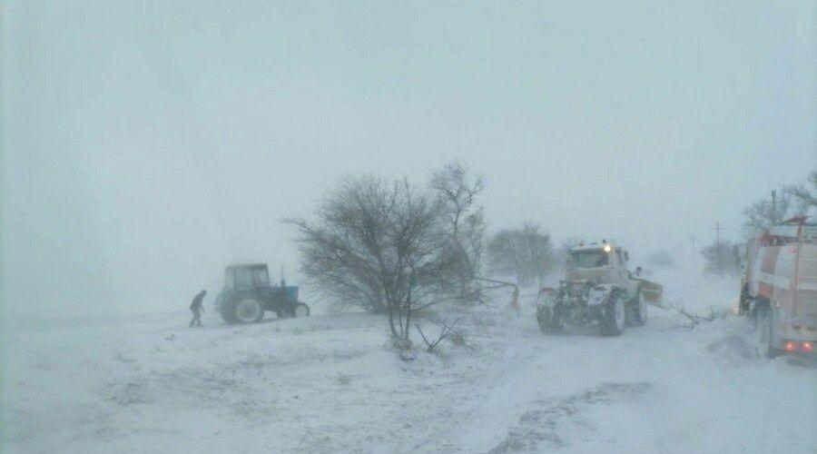 Спасатели вытащили в Ленинском районе из снежных переметов два десятка автомобилей
