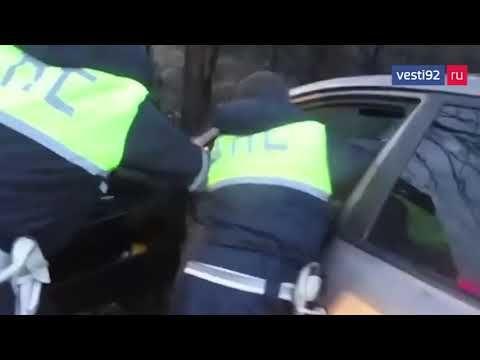 В Крыму задержали пьяного «гонщика» на иномарке