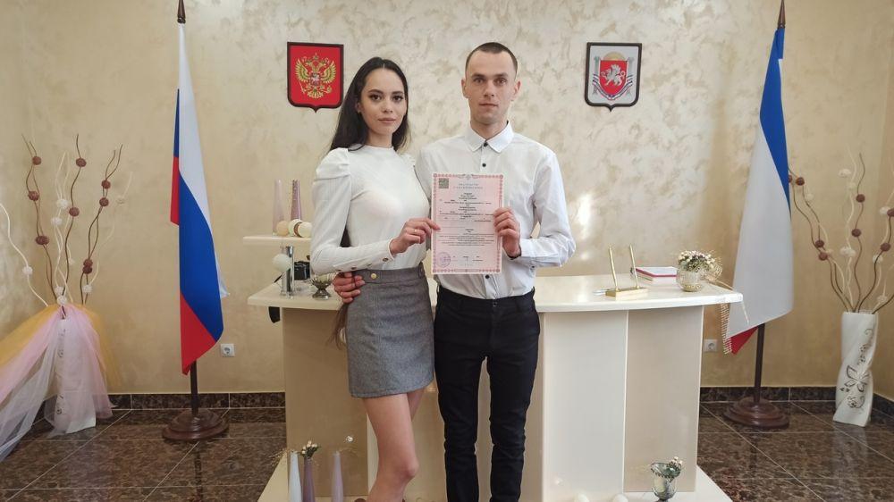 В Республике Крым с начала года зарегистрировано рождение 647 новорожденных и брак 245 пар новобрачных