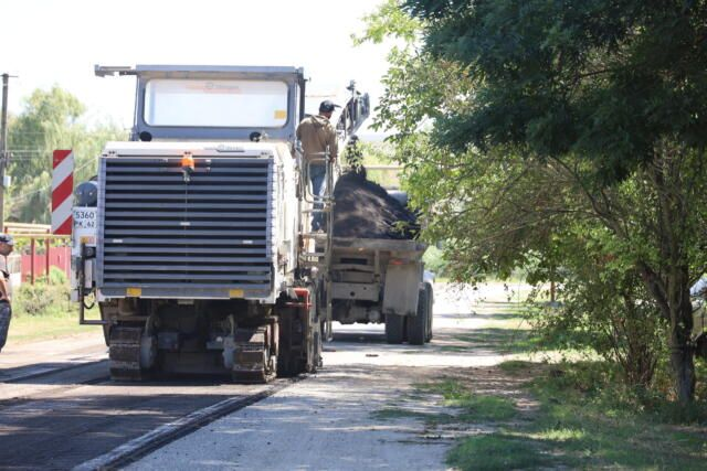 В Крыму сорвали сроки строительства двух дорог и Дворца спорта