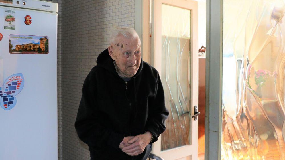 Феодосийский ветеран Анатолий Иванович Кожемякин отметил 95-летний юбилей