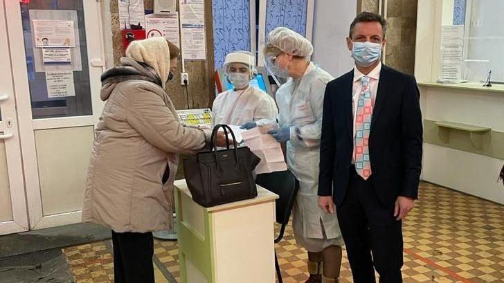 Александр Остапенко проверил организацию приема пациентов в Симферопольской поликлинике №3