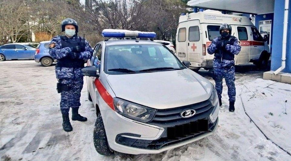В Ялте медикам «скорой помощи» угрожал попавший в ДТП пьяный мужчина