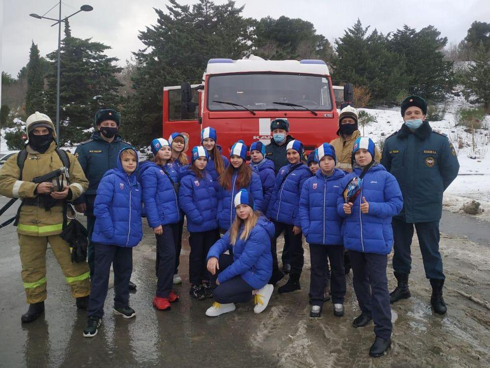 Встреча сотрудников МЧС России с юными «артековцами»