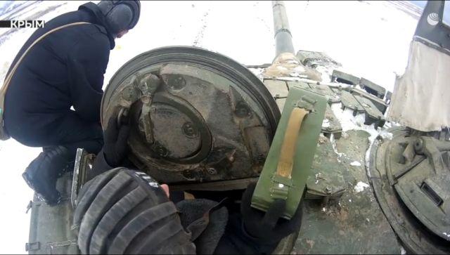 Танкисты и мотострелки ЧФ провели учебно-боевые стрельбы – видео