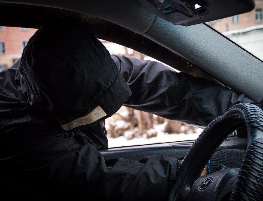 В Крыму раскрыли серию краж из автомобилей