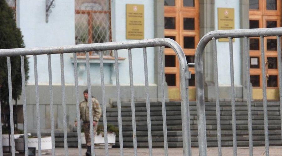 Аксёнов пообещал жесткие действия силовиков в отношении участников незаконных митингов