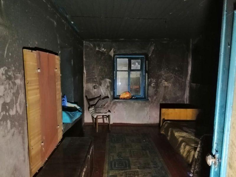 Ночью на пожаре в крымском селе спасли четырех человек