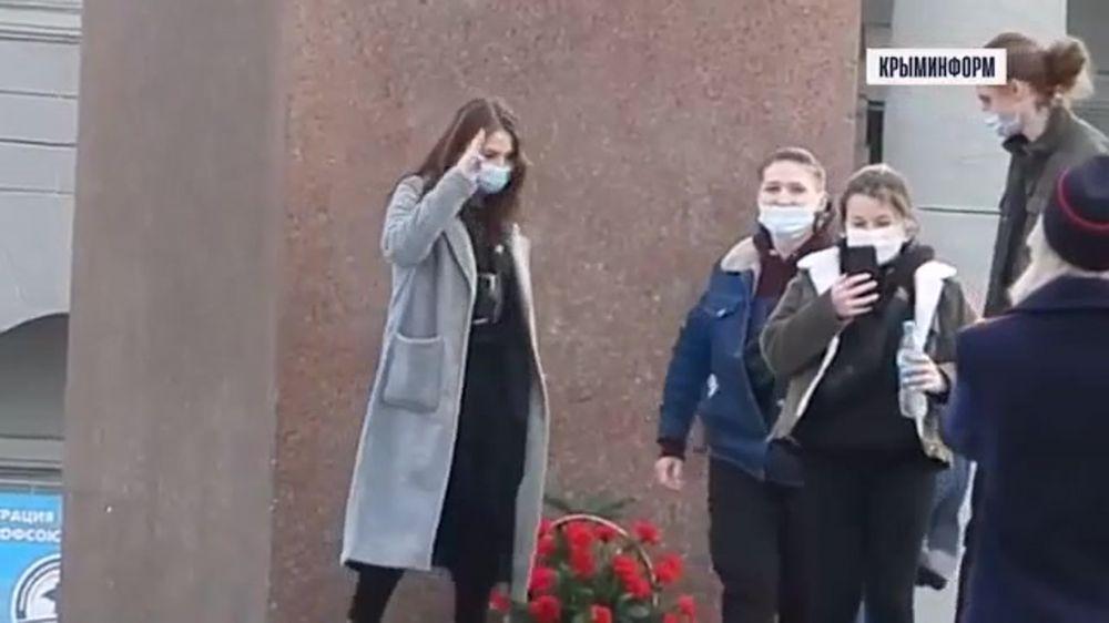 Юные оппозиционеры в Симферополе сегодня отличились