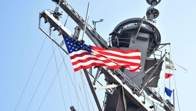 Российские военные следят за зашедшим в Черное море эсминцем США
