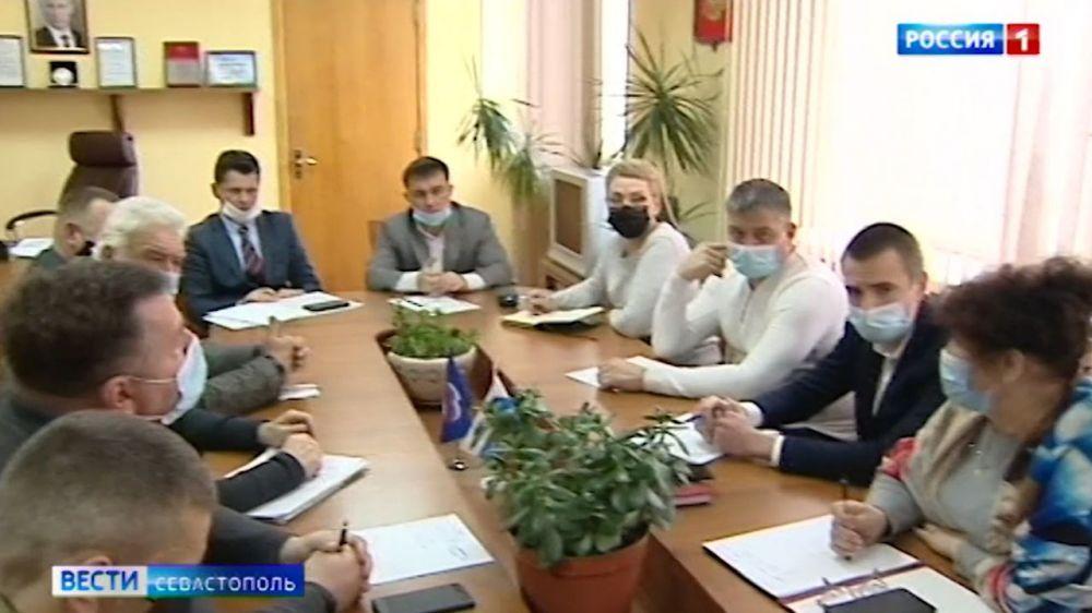 В Севастополе власти и энергетики пытаются решить проблемы с электричеством в СНТ